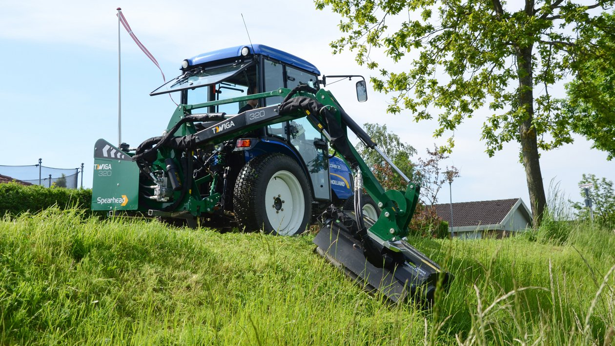 Hydraulic flail mower for mini excavator and compact tractor