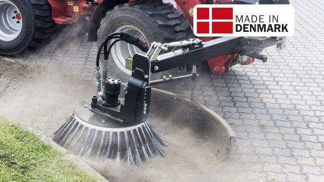 Mini skid steer broom