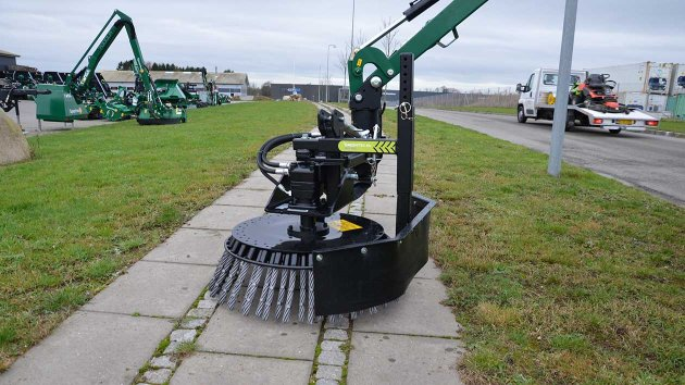 Effective cleaning of pavements and streets with a GreenTec sweeper