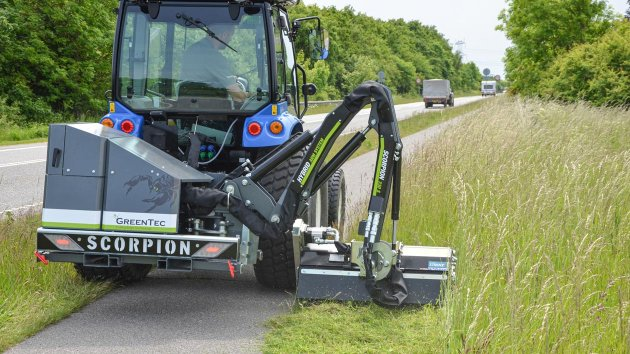 Small flail mower for compact tractors