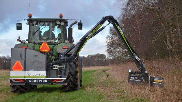 Hydraulic boom mower for tractor