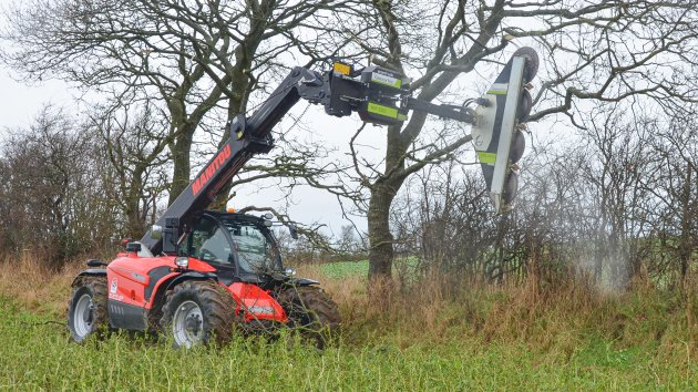 Hedgerow maintenance with Manitou MLT 737 130 PS+ telehandler