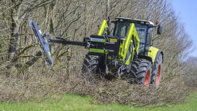 Circular saw hedge cutter mounted on Claas 850 Axion tractor