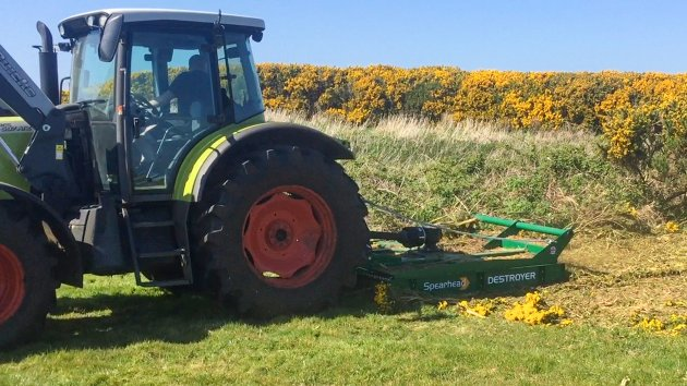 Brush cutter attachment for tractor
