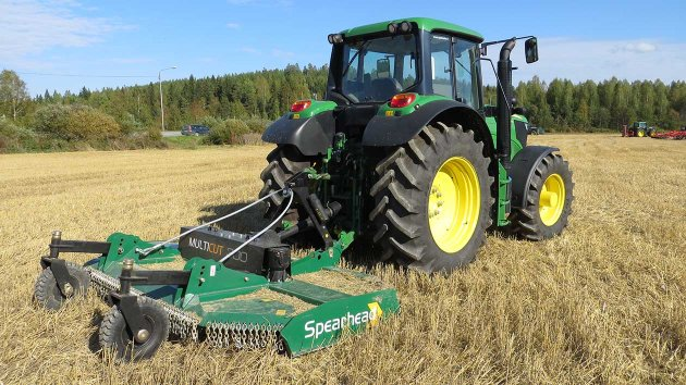 Rotary slasher in a field of fallow