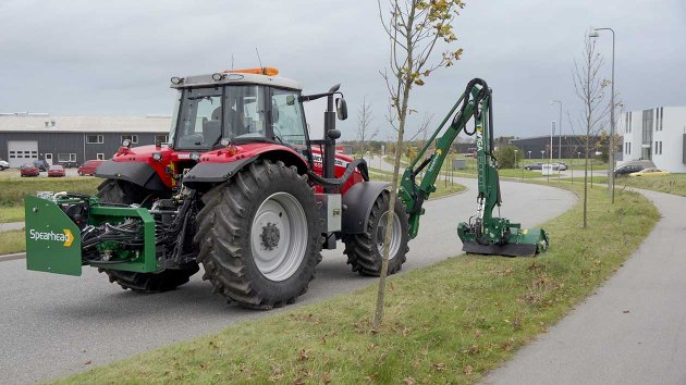 Verge mower for tractor cuts grass