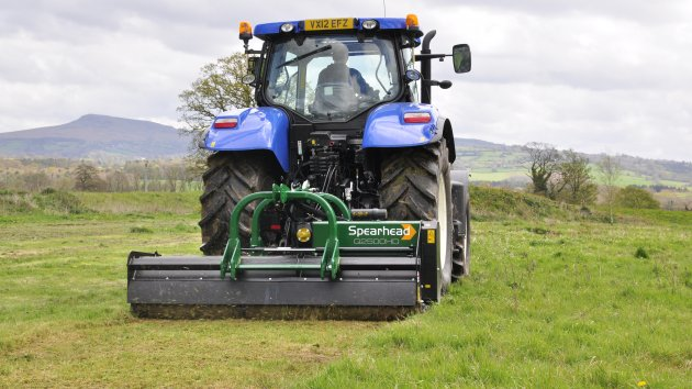 Heavy duty flail mower cuts grass efficiently