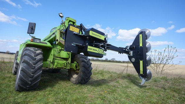 Hydraulic limbsaw with circular sawblades mounted on Merlo telehandler