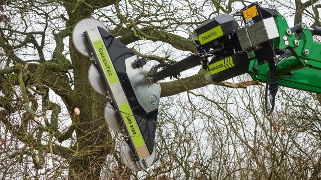 Windbreak maintenance with circular saw hedge cutter