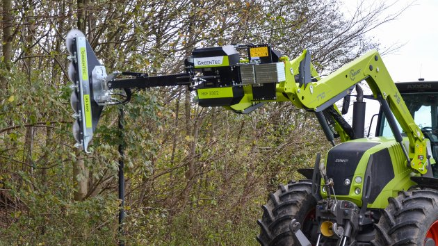 Hydraulic limb cutter for tractor