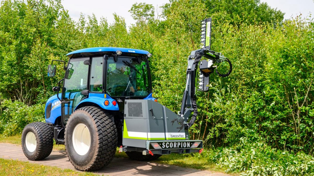Scorpion 330-4 S boom mower with Cutterbar HS 172