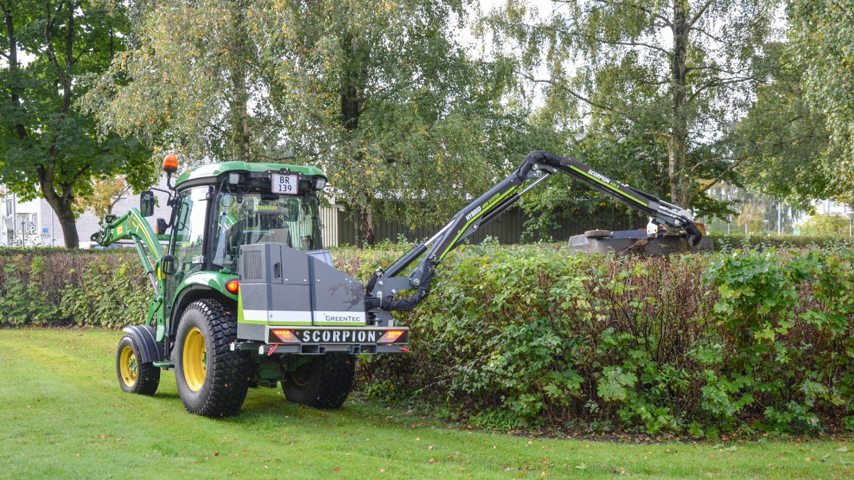 Roskilde Ejendomsservice maintains green areas with GreenTec boom mower