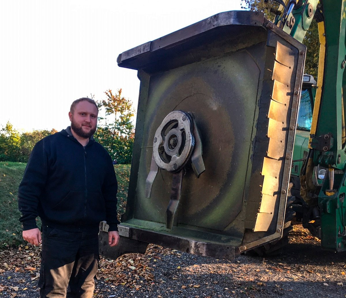 Michael Boldt Hansen standing next to his Rotary Crusher GT 135